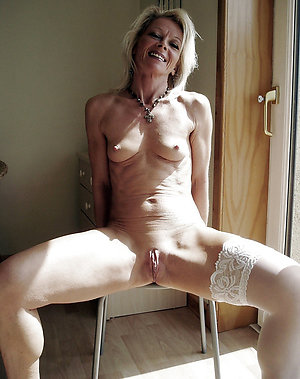 Pictures naked milf Free Milf