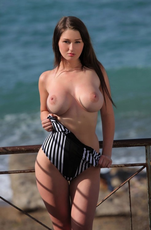 Girl curvy naked Free Busty